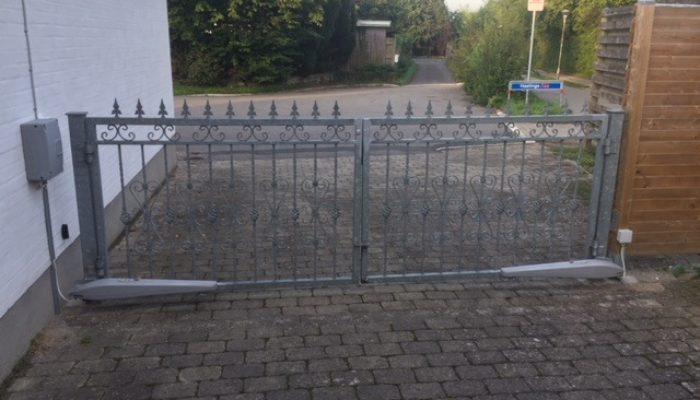 smedejernslaage-m-king-gate-automatik